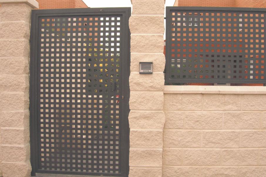 Carrilero baleares instalaci n de todo tipo de puertas - Puertas de chapa galvanizada precios ...